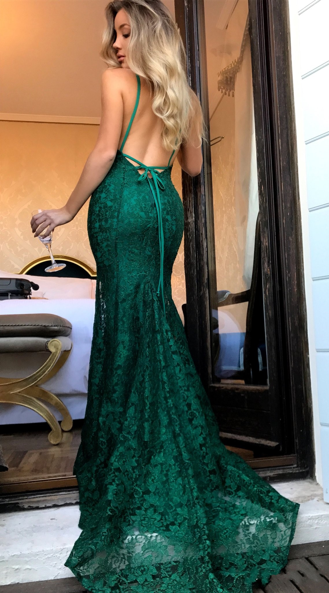 7442c1473c75 Emerald Green Lace Mermaid Long Prom Dresses With Low Cut Back ...