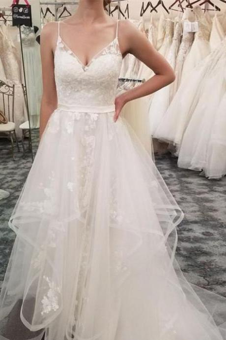 Simple Spaghetti Straps Neckline A-line Tulle Wedding Dresses With Appliques