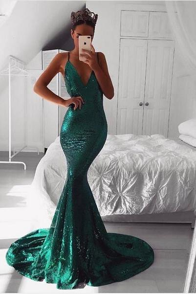 Emerald Green Sequined Prom Dresses with Plunging V Neckline and Open Back Evening Gowns