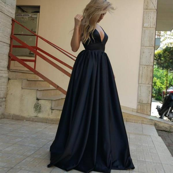 Graduation Dresses 2017, A-Line Deep V-Neck Court Train Sleeveless Backless Black Prom Dress, Black Evening Dress, Formal Prom Dresses